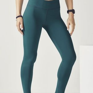 Mid-Rise Cold-Weather Legging